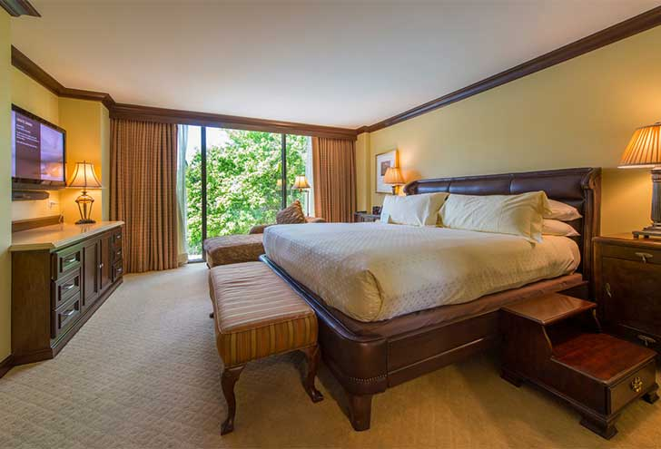 Best-Hotels-in-Houston-TX-Houstonian