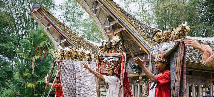 Top 10 things to Do in Indonesia - Toraja Funeral
