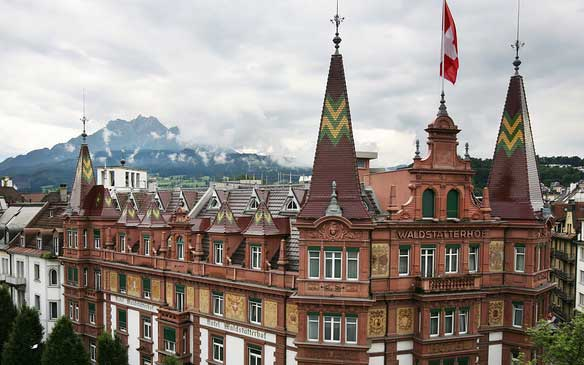Best-hotels-in-Lucerne-Switzerland-Hotel-waldstatterhof