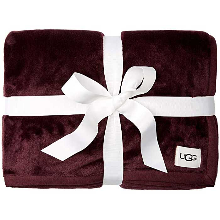 Boyfriends-Parents-Christmas-Throw-Blanket