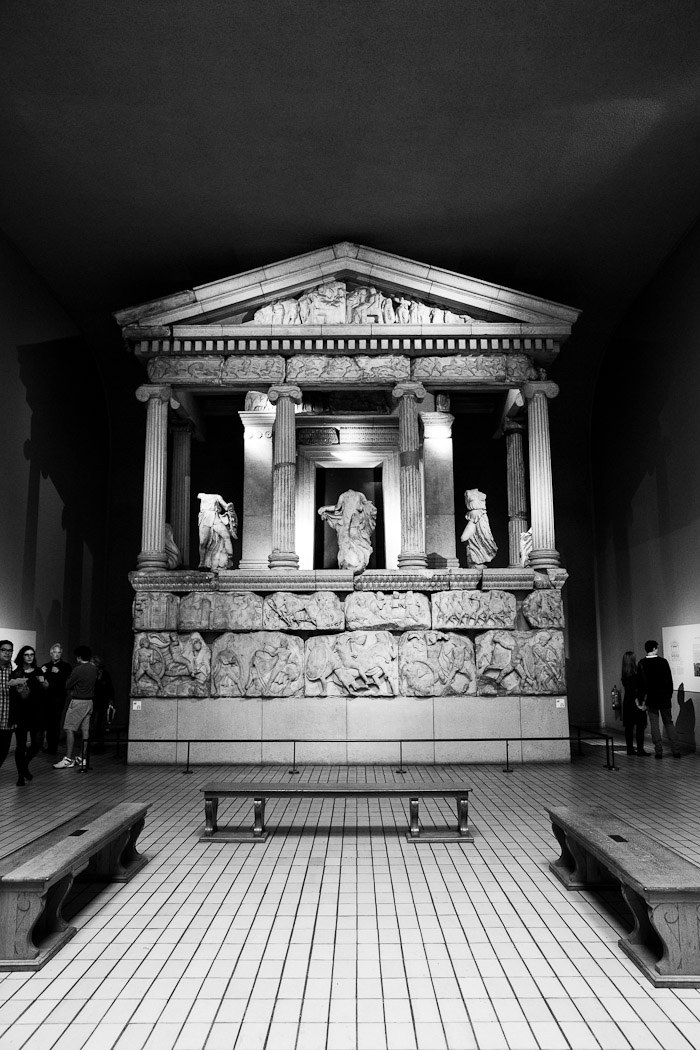 gallery exhibit black white bench greek parthenon