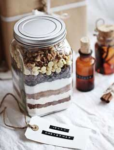 diy-mason-jar-christmas-gifts-layered-hot-chocolate