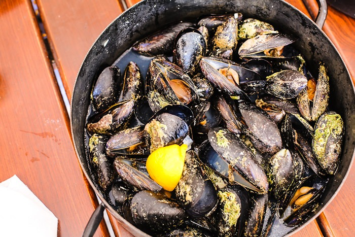 Eastern Europe Travel Tourist City Resort Mediterranean Clams Mussels Food Lunch Dinner