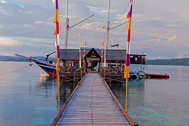 raja ampat travel guide - stunning photos from Indonesia