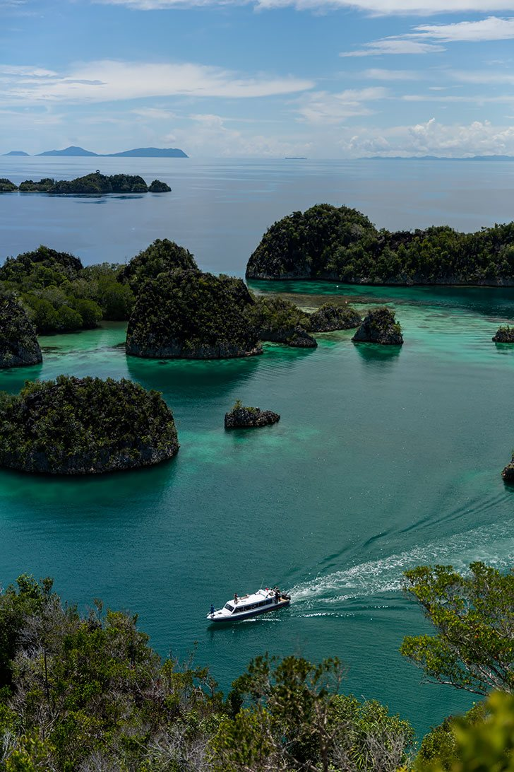stunning photos of raja ampat, indonesia untouched paradise