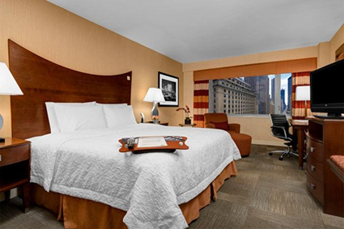 affordable manhattan hotels hampton inn times square