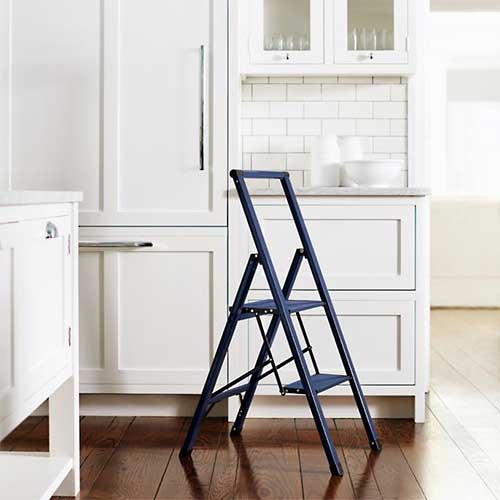 best-folding-step-stool-for-apartments