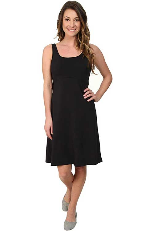 black-tank-dress-for-travel-with-spf-protection