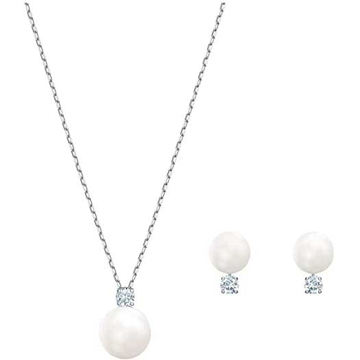 classic-pearl-jewelry-for-business-trip