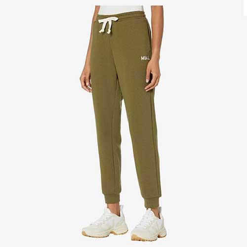 closet-foundation-sweatpants