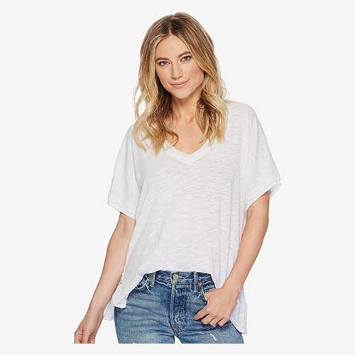closet-must-haves-white-t-shirt