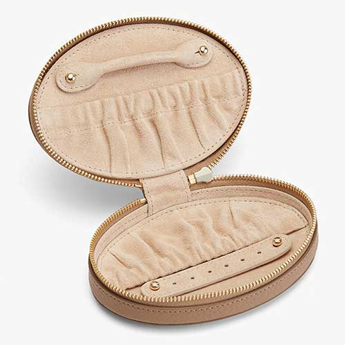 cuyana-leather-travel-jewelry-case-review