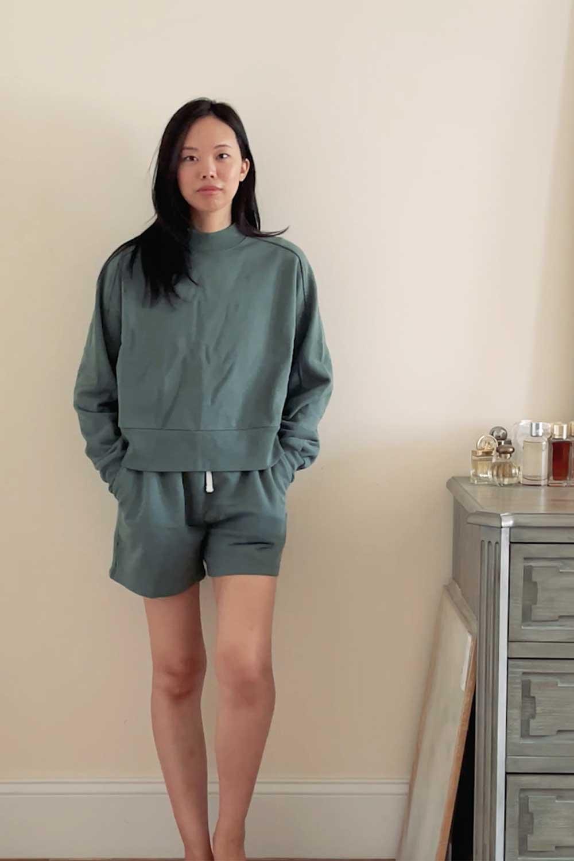 everlane-cropped-sweatshirt-and-track-sweatshort-review