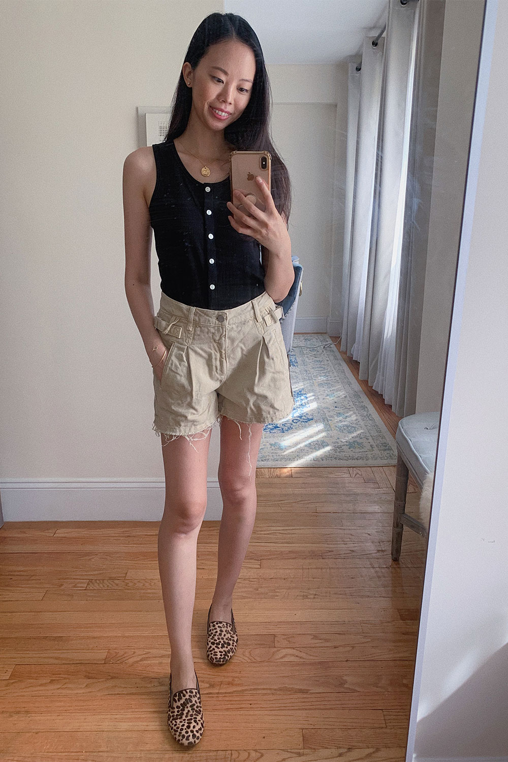everlane-selfie-tank-review