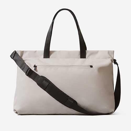 everlane-weekender-duffel-bag