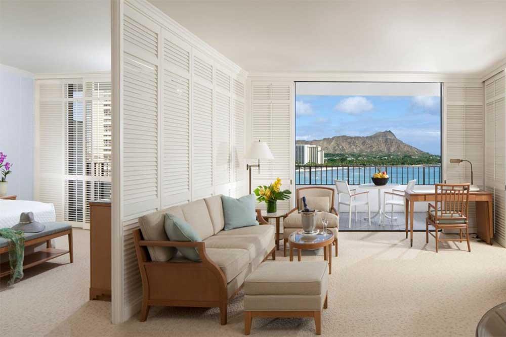 halekulani-hotel-on-waikiki-beach-oahu-hawaii