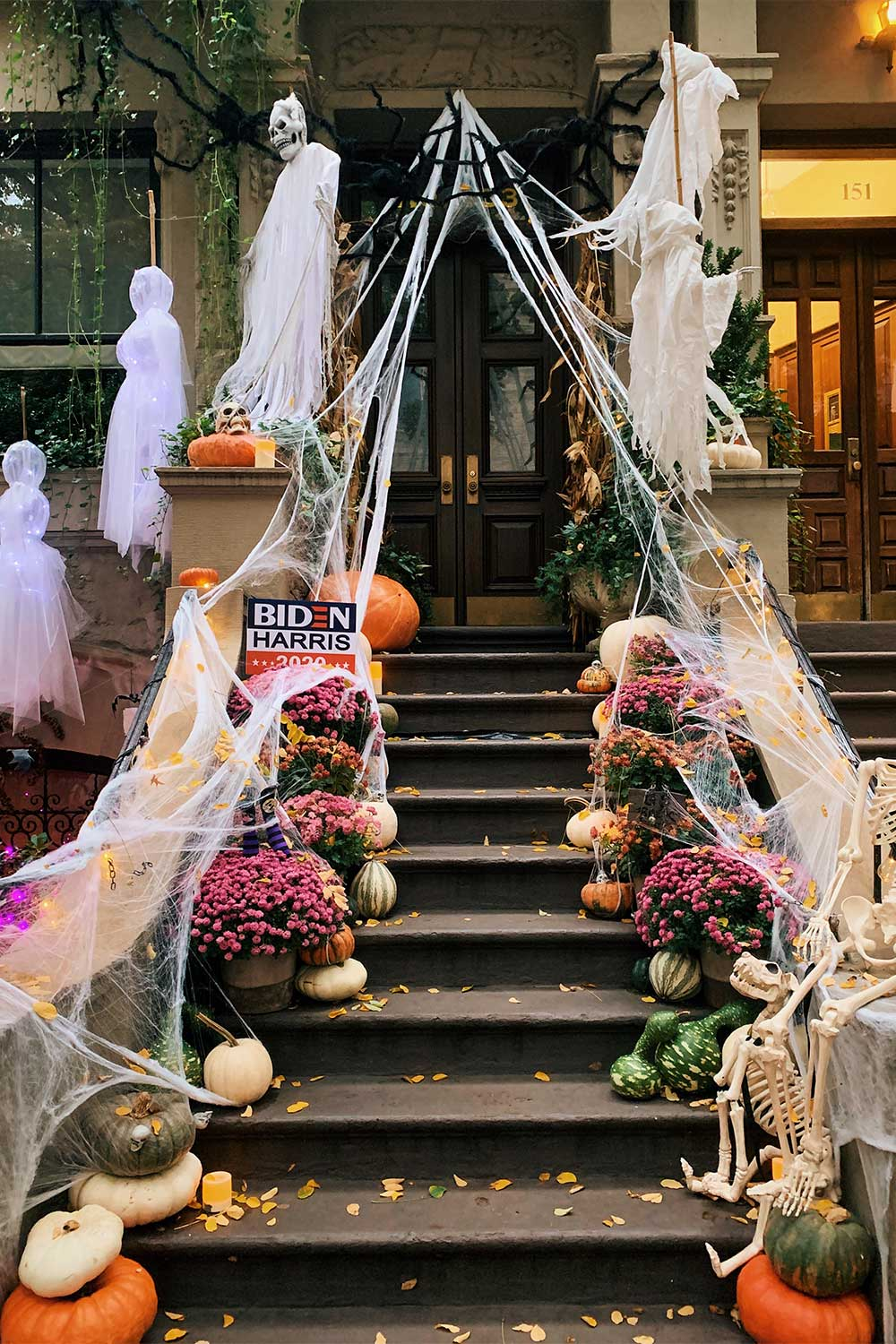 halloween-brownstones-upper-west-side