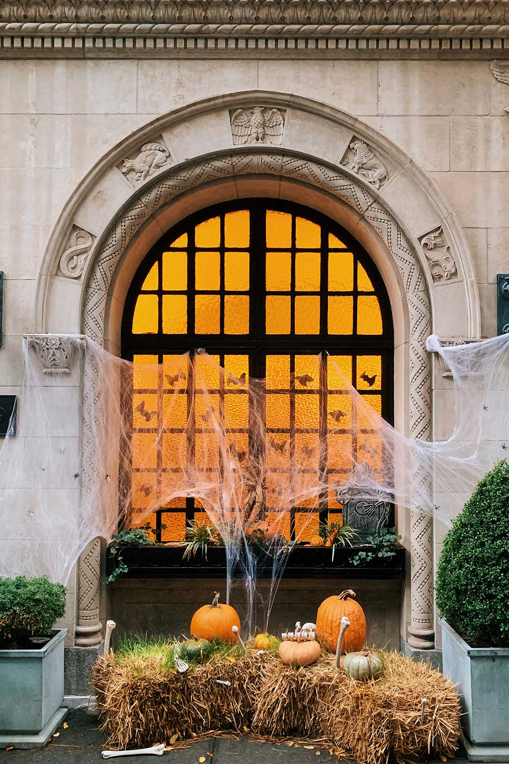 halloween-decorations-in-new-york-city