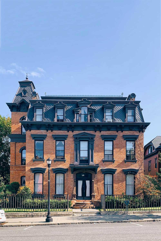 historic-homes-in-hudson-ny