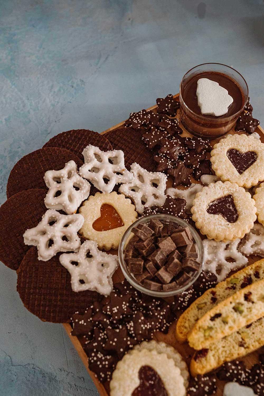 holiday-dessert-board