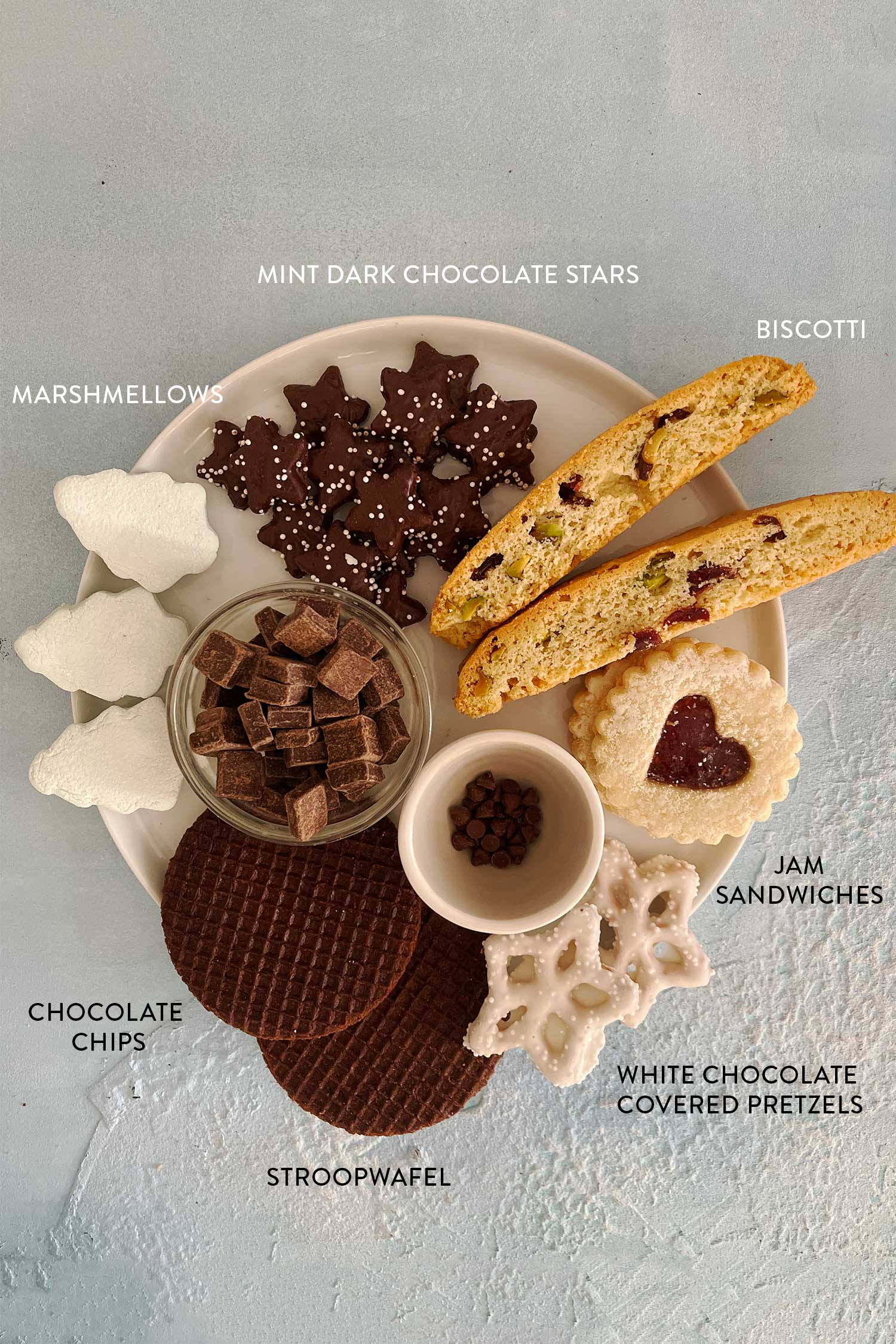 how-to-make-a-christmas-dessert-board