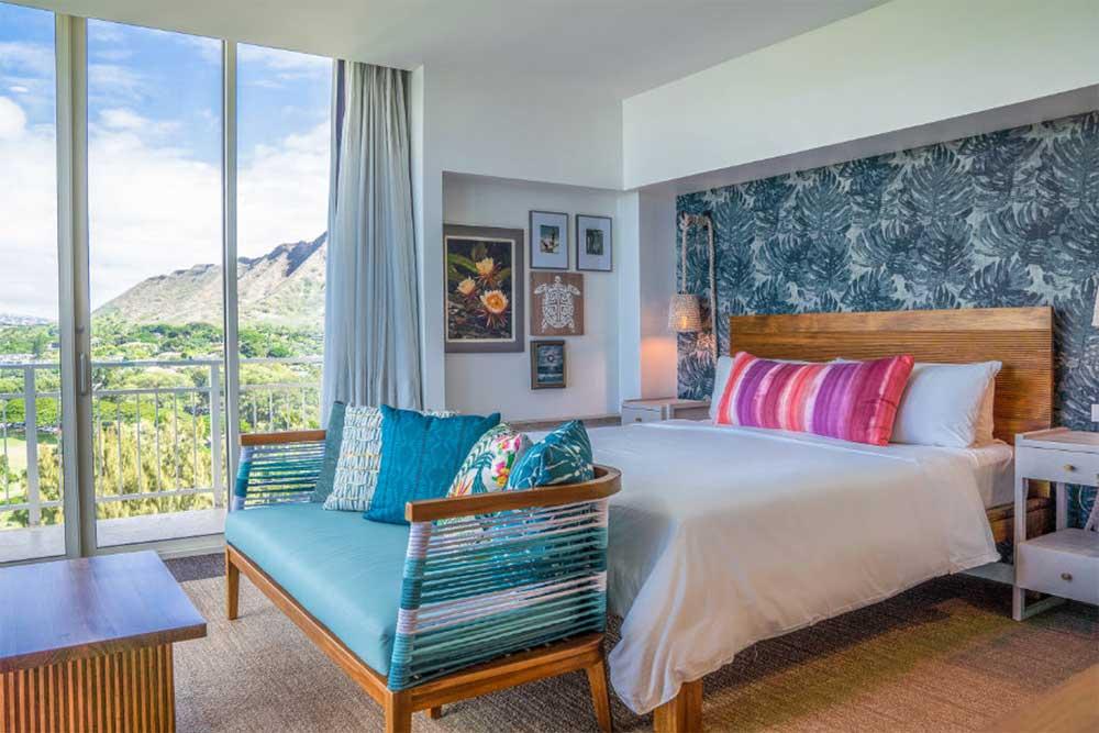 kaimana-beach-hotel-oceanfront-suite