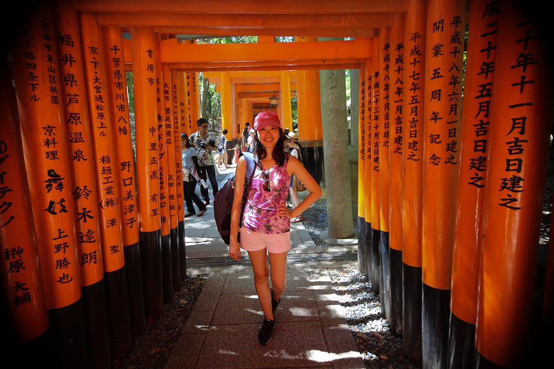 kyoto japan japanese travel fushimi inari shrine temple orange tori gate fox photo shershegoes.com9