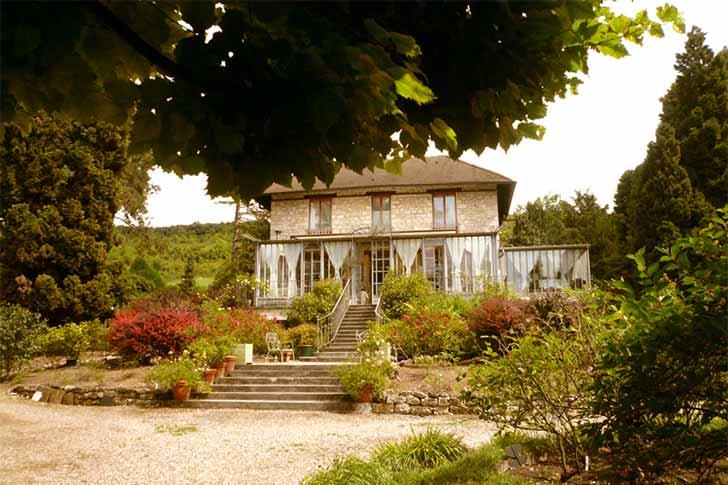 la-pluie-des-roses-giverny-hotel