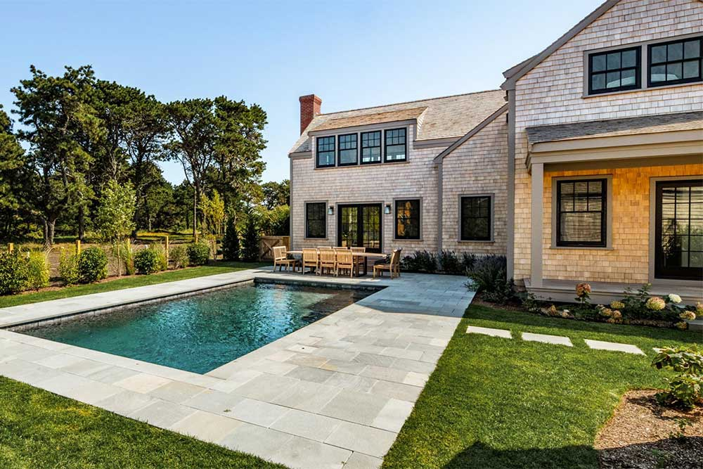 nantucket-airbnb-with-pool