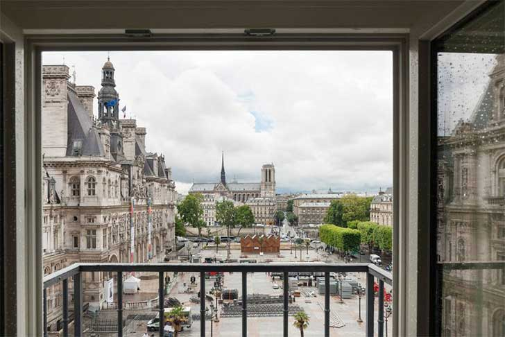 paris-airbnb-with-view-of-notre-dame