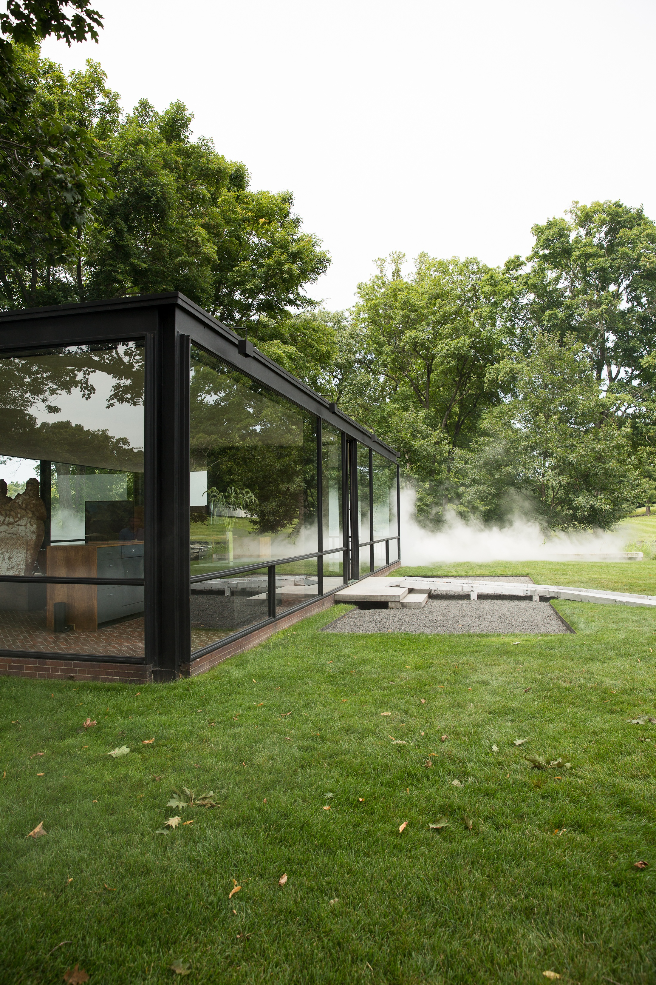 philip johnson the glass house new canaan fujiko nakaya fog exhibition photo shershegoes.com18-2