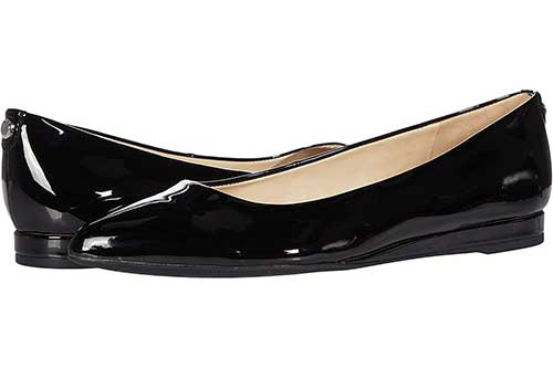 pointy-toe-black-patent-ballet-flat