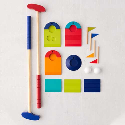 roommate-gifts-mini-golf-game-set