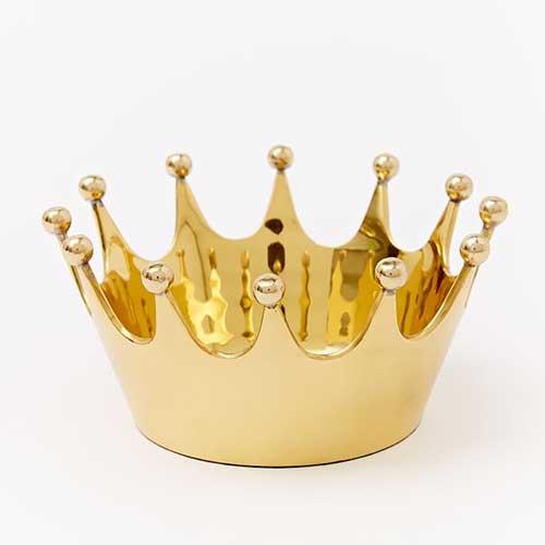 stocking-stuffer-ideas-crown-catchall