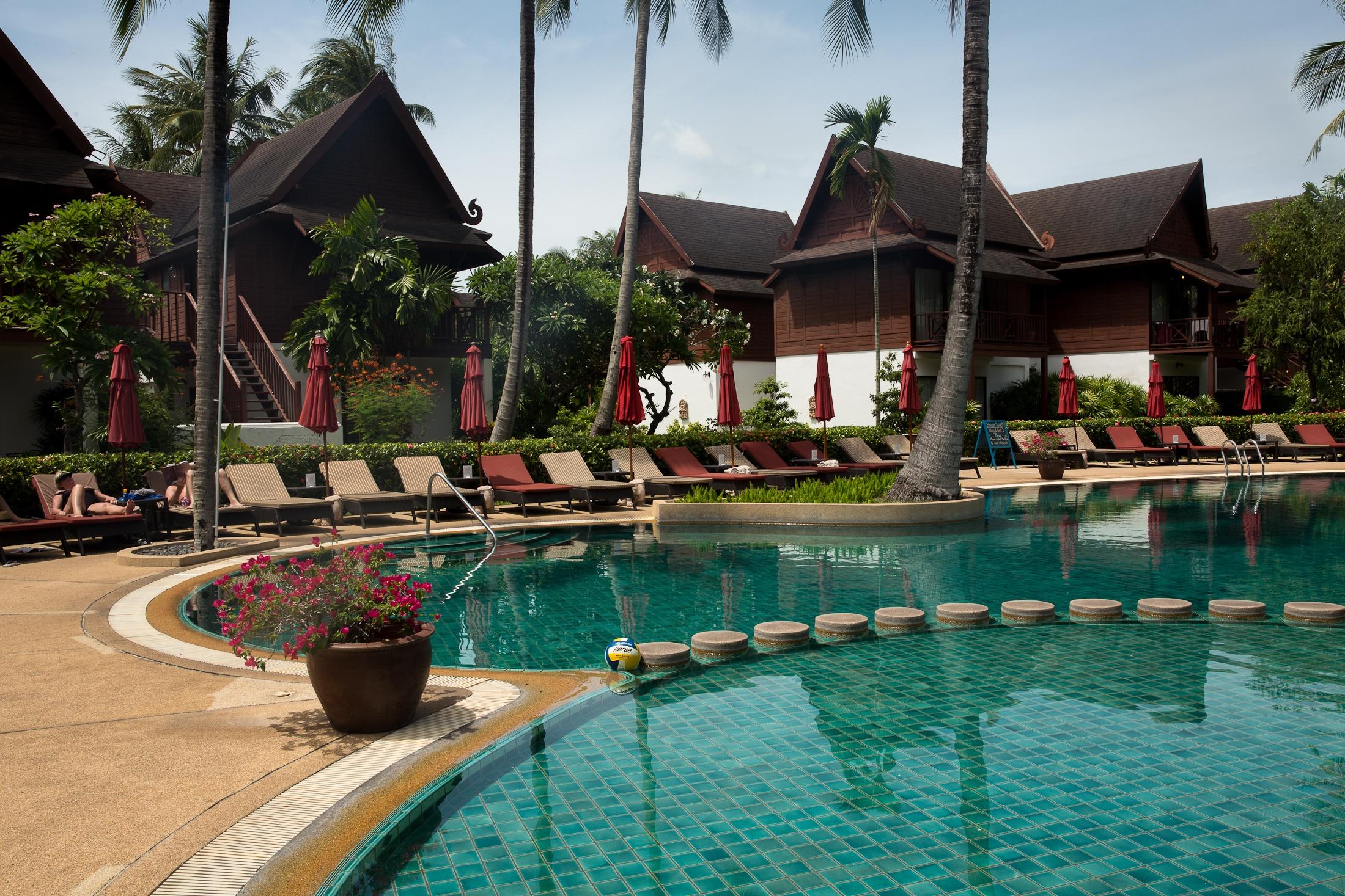 thailand koh samui chaweng beach island paradise vacation travel blog hut hotel pool paradise shershegoes.com