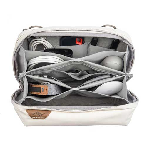 travel-tech-pouch