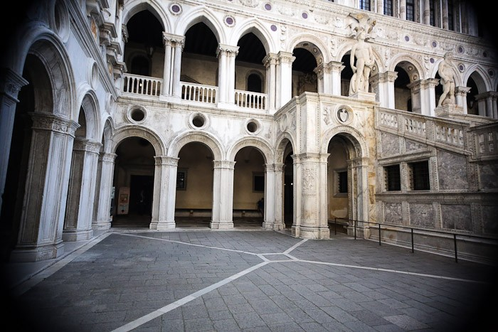 venezia europe travel hotel entryway columns basilica light pink marble doge palace