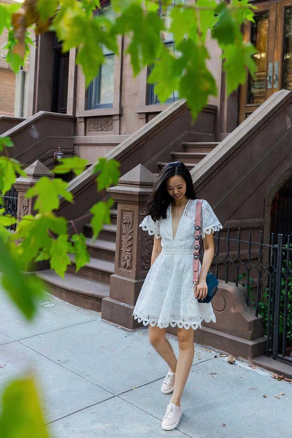 white-dress-with-sneakers-outfit