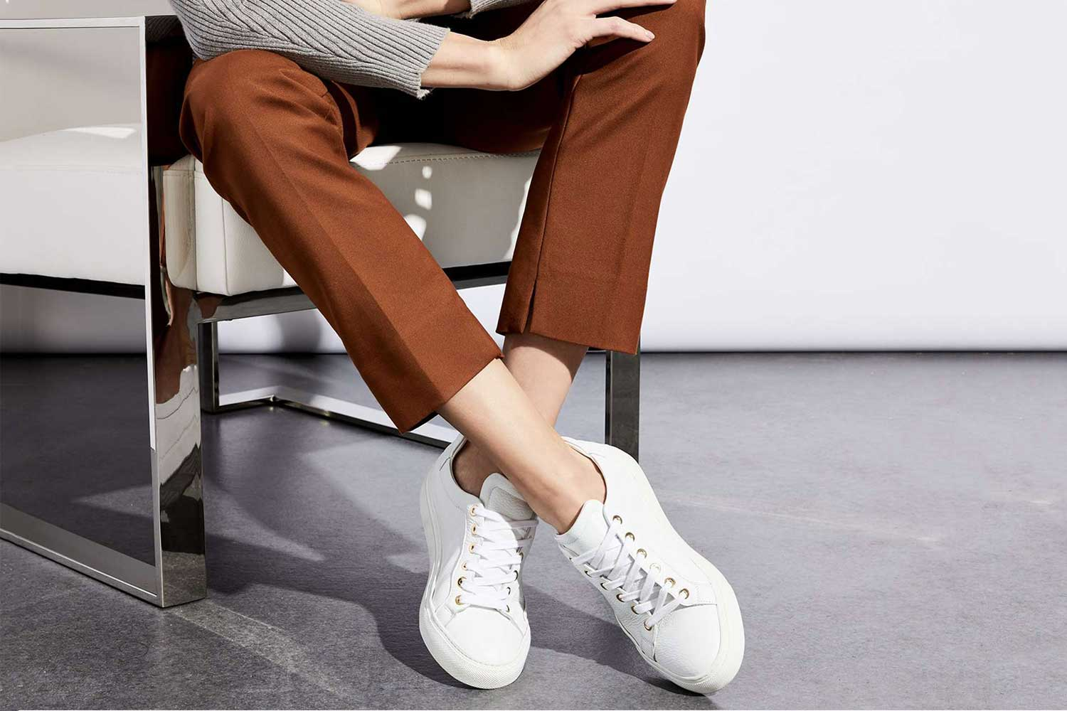 white-sneakers-women